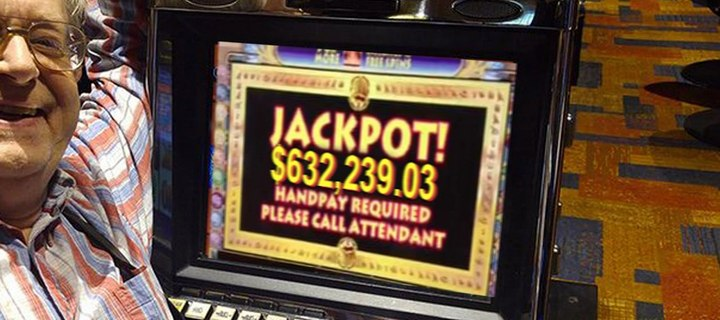 Playing Dollar Slots is risky but it can be worth it