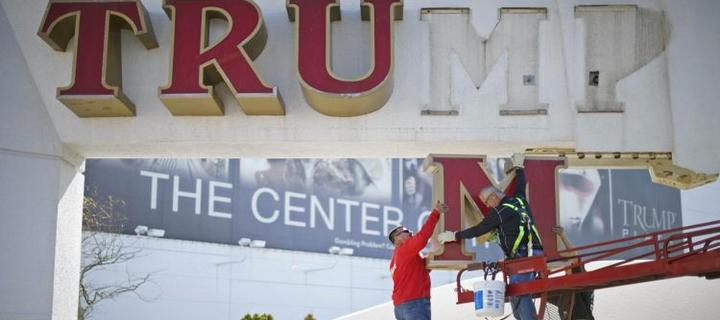Trump Demands to Remove His Name from the Casino Signage